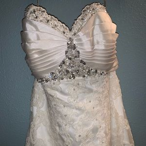 Maggie Sottero Evelyn Wedding Gown